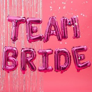 Pinke Team Bride Girlande