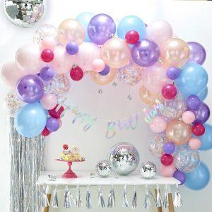 Ballonbogen in Pastelltönen als Dekoration